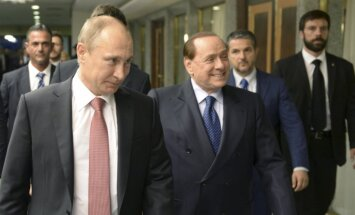 Берлускони прилетел в Крым для частной встречи с Путиным