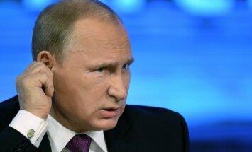 Krievijas ekonomikas krīze: Putins mudina ierēdņus nedomāt par svētku brīvdienām