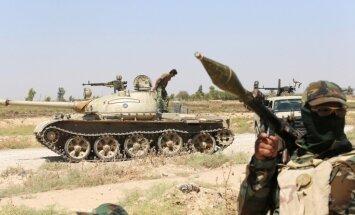 Pēc ASV gaisa triecieniem Irākas spēki padzen islāmistus no Eifratas HES rajona