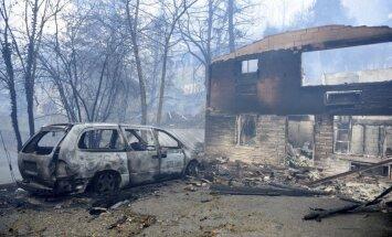 Video: 'Gadsimta ugunsgrēks' plosa Tenesī; tūkstošiem evakuēto un trīs bojāgājušie