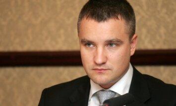 Bijušais Saeimas Juridiskā biroja padomnieks Pastars vēlas kārtot advokāta eksāmenu