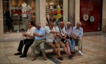 Spānijā mirušiem cilvēkiem turpina maksāt pensijas – ap 300 miljoniem eiro gadā
