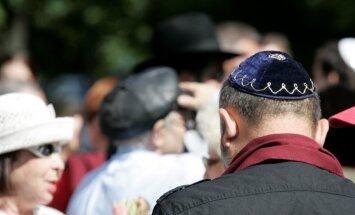 Polija veic labojumus pretrunīgi vērtētajā 'holokausta likumā'