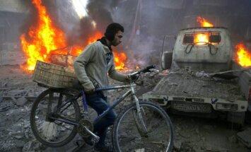 Sīrijas opozīcija gatava runāt ar režīmu, bet Asadam jāatkāpjas