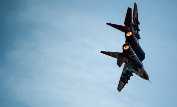 Pie Maskavas avarējis MiG-29 iznīcinātājs; piloti katapultējušies