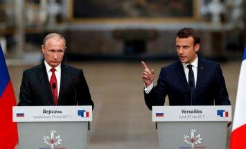 'Sputnik' un RT ir melu propagandas aģenti, Putina klātbūtnē paskaidro Makrons