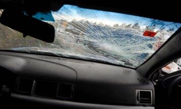 В столкновении джипа с автобусом пострадал годовалый ребенок