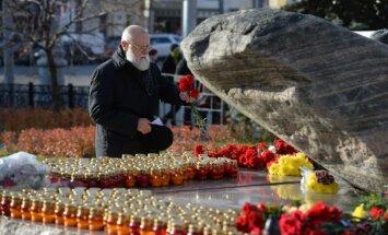 Maskavā ļaudis piemin Staļina režīma upurus