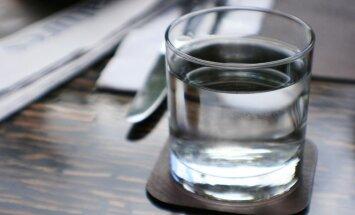 Bezmaksas ūdens restorānā – Anglijā likums, pie mums brīva izvēle