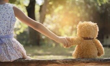 Илона очень хочет ходить: родители двухлетней девочки просят о помощи
