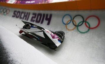 Sieviešu bobslejā pēc diviem braucieniem līderes amerikānietes