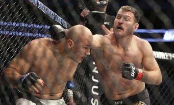 Stipe Miocic against Junior Dos Santos UFC