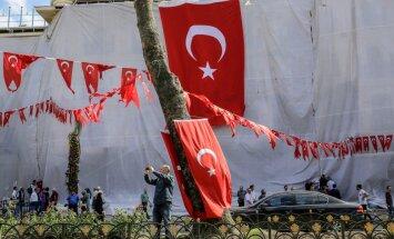 Turcijas Reliģisko lietu aģentūrā atstādināti vēl 2560 darbinieki