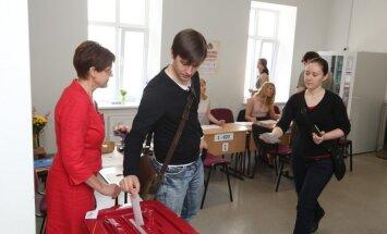 'Pašvaldību vēlēšanas 2013' – nobalsojuši 686 097 jeb 45,99% vēlētāju