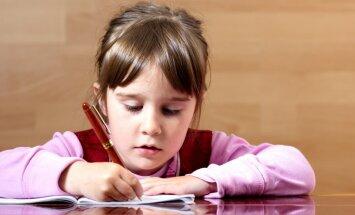 Māmiņa sašutusi par trešklasnieka pārbaudes darbiem; VISC problēmu nesaskata