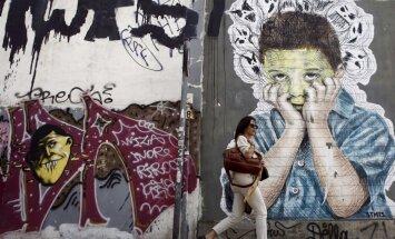 Grieķi referendumā varētu atbalstīt vienošanos ar aizdevējiem, liecina aptaujas dati