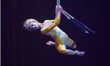 Танцующая в воздухе. Гимнастка Cirque du Soleil о риске, любви и жертвах цирковой жизни