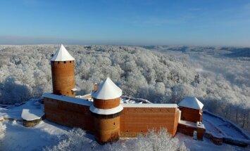 Sniegota pastaiga apvienojumā ar vēstures izzināšanu Turaidā