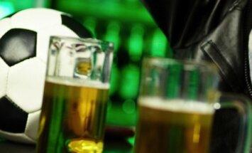 'Leicester City' īpašnieki kluba fanus sezonas pēdējā spēlē cienās ar alu