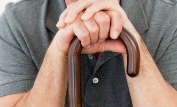 Arvien vairāk darbspējīgo iedzīvotāju iegūst invaliditāti