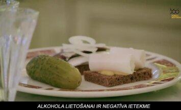 Video: Degvīns, šašliks un kaviārs – britu baikeru gastronomiskais piedzīvojums Krievijā