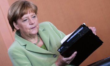 Ukrainai jādraudzējas ar Krieviju, lai tai būtu labas attiecības ar ES, norāda Merkele