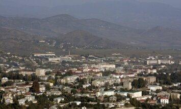 Armēnijas parlaments atliek Kalnu Karabahas neatkarības atzīšanu