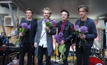 Jaunības melanholija latviski. 'Carnival Youth' albuma recenzija