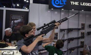 Ieroču ražotājs 'Colt Defense' pieteicis bankrota aizsardzību