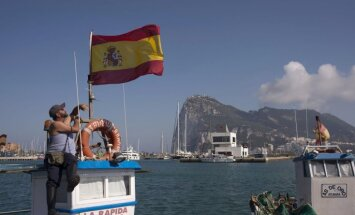 Spānija pieprasa Lielbritānijai aizvākt no Gibraltāra mākslīgo betona rifu