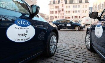 Taxify отменила решение поднять в 4-7 раз тарифы на такси в новогоднюю ночь