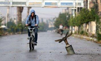 Krievija un Sīrija pastiprināti izmanto kasešu bumbas, ziņo 'Human Rights Watch'