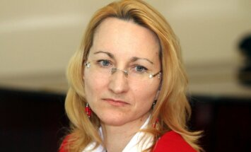 Informācijas nesniegšana par pielaides valsts noslēpumam atteikumu ir cilvēktiesību pārkāpums, uzskata Melbārde