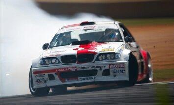 Kristaps Blušs izcīna augsto trešo vietu 'Formula Drift' seriāla posmā ASV