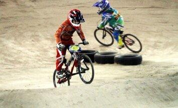 BMX riteņbraucējs Krīgers nepārvar ceturtdaļfinālu Pasaules kausa Superkrosā finālsacensībās