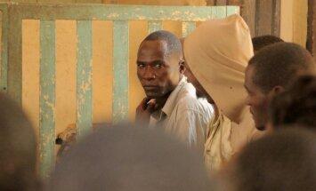 Malāvijas 'hiēnai' pēc atmaskojošā stāsta par seksu ar nepilngadīgajām piespriests cietumsods
