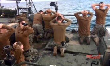Foto: Kā Irānas Revolucionārā gvarde aizturēja amerikāņu jūrniekus