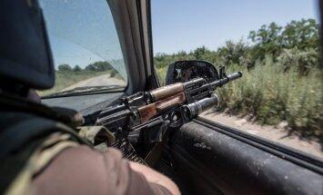 Krievijas teroristu bandas sāk ielenkt Mariupoli, paziņo ATO