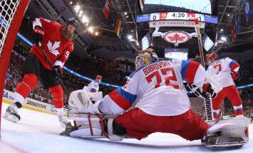 Sergei Bobrovsky Russia saves Joe Thornton Canada