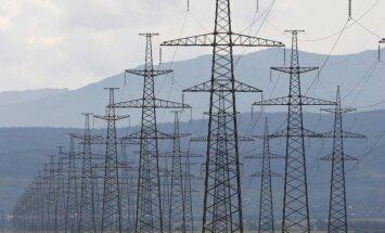 Ukrainas konflikts: Medvedevs brīdina Kijevu par elektroenerģijas piegādes pārtraukšanu