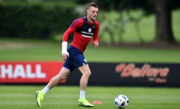 Футболист сборной Англии рассказал, как лечился водкой и конфетами