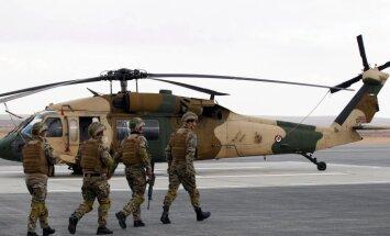 ASV bāzē pēc vēstules atvēršanas 11 karavīri sajutuši ādas dedzināšanu