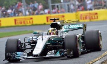 Hamiltons uzvar Kanādas 'Grand Prix' kvalifikācijā un panāk Sennu