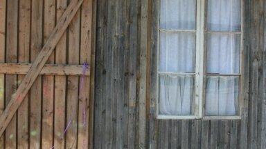 Foto: Šķūnis, kas no neizmantotas ēkas kļuvis par stilīgu svinību vietu