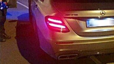 Auto no Latvijas Tallinas centrā uzstādījis 'rekordu' – 227 km/h; vadītājs apcietināts