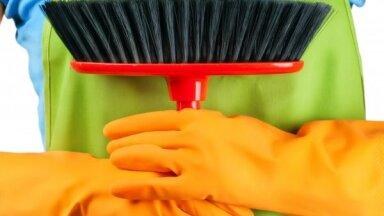 8 идей, куда спрятать швабру, пылесос, тряпки и химию