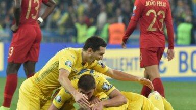 Ukrainas futbolisti pieveic Portugāli un iekļūst Eiropas čempionāta finālturnīrā