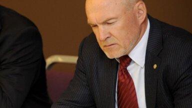 Līgumi ar darbinieku uzņēmumiem un dāvinājumi – neskaidrības par milzu summām LFF budžetā