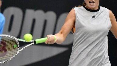 Ostapenko strīdīgā Lincas turnīra finālā piekāpjas amerikāņu jaunietei Gofai
