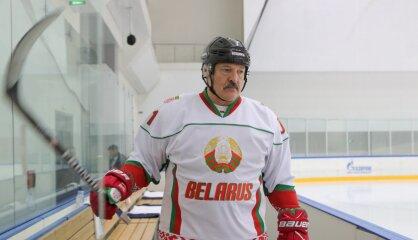 Skats no frontes. Baltkrievu žurnālists par Lukašenko, hokeju un pasaules čempionātu